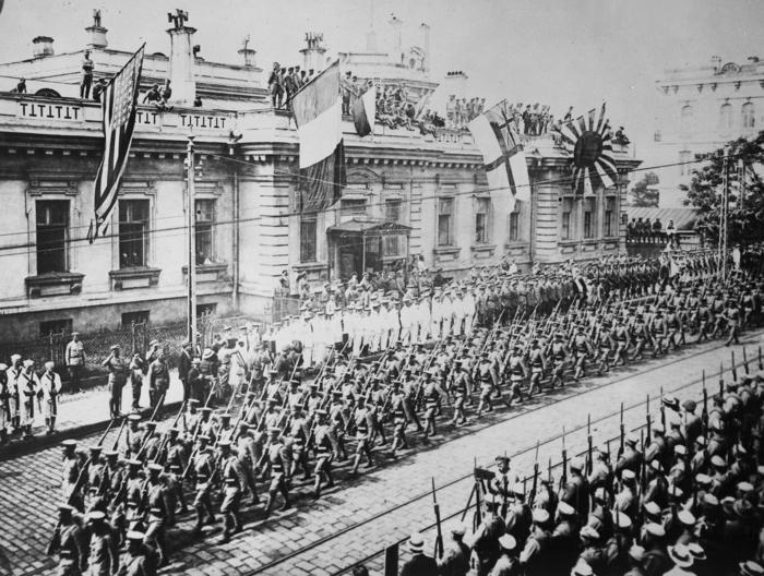 Парад интервентов. 1918 год год./Фото: histrf.ru
