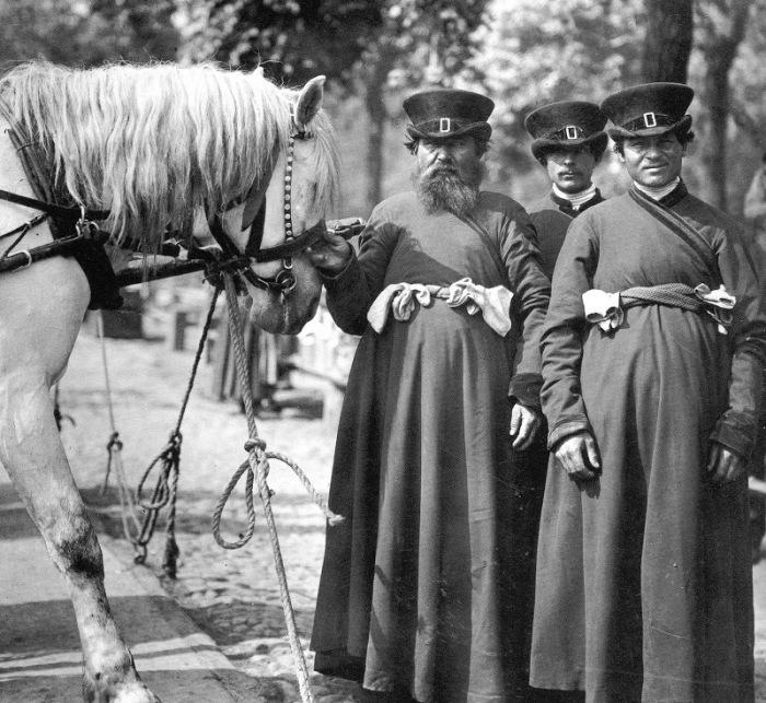 Форма извозчика в 19 веке./Фото: lh3.googleusercontent.com