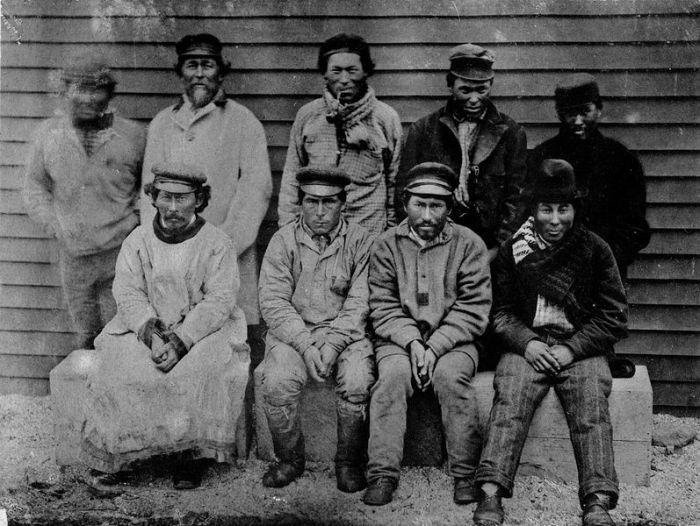 Группа алеутских охотников, 1884-1886 гг./Фото: upload.wikimedia.org
