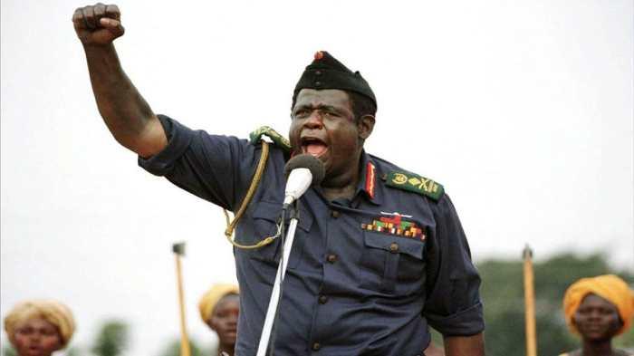 Один из титулов, присвоенных самому себе, звучал как «Завоеватель Британской Империи в Африке вообще и в Уганде в частности»./Фото: image.tmdb.org