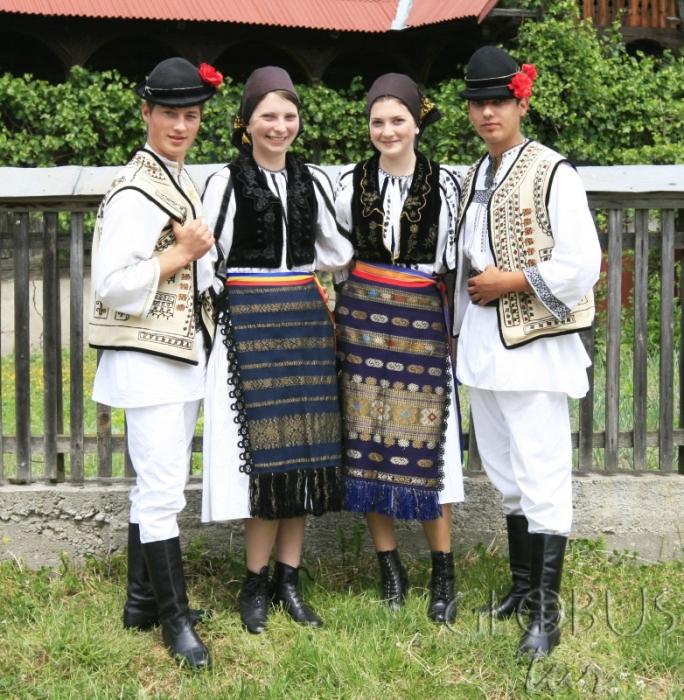 Национальные костюмы румын