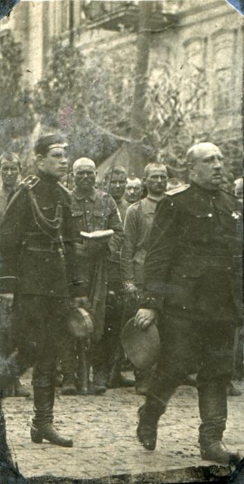 Макаров всюду следовал за генералом. /Фото: paris1814.com
