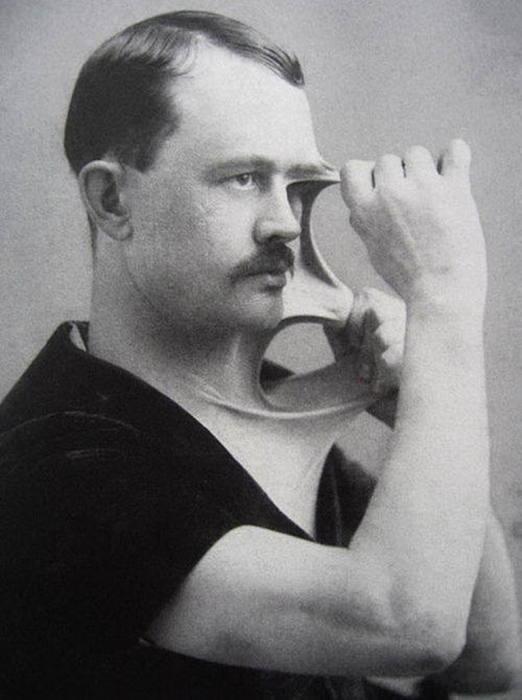 Феликс Верле, человек – резинка./Фото: img3.grunge.com