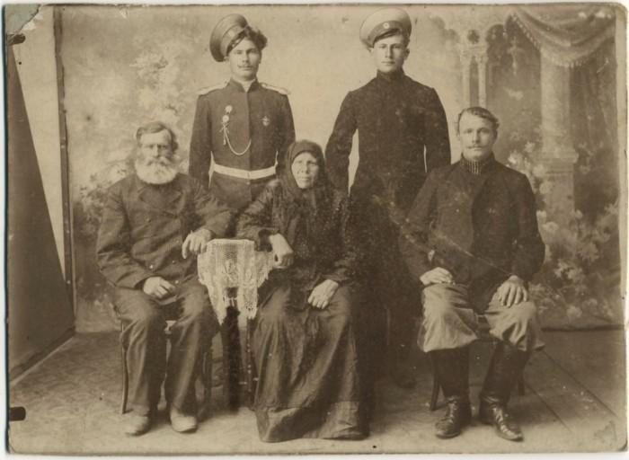 Уважение к старшим было у донских казаков в крови./Фото: i.pinimg.com