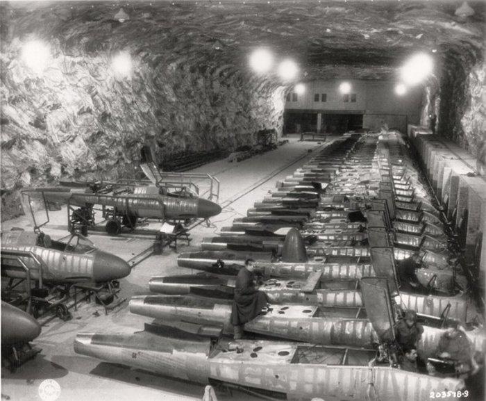 Линия сборки истребителей переехала в СССР вместе с персоналом./Фото: frontlinevideos.com