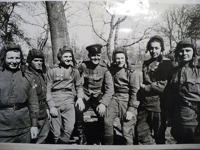Герои танкисты 45 гвардейской бригады./Фото: upload.wikimedia.org