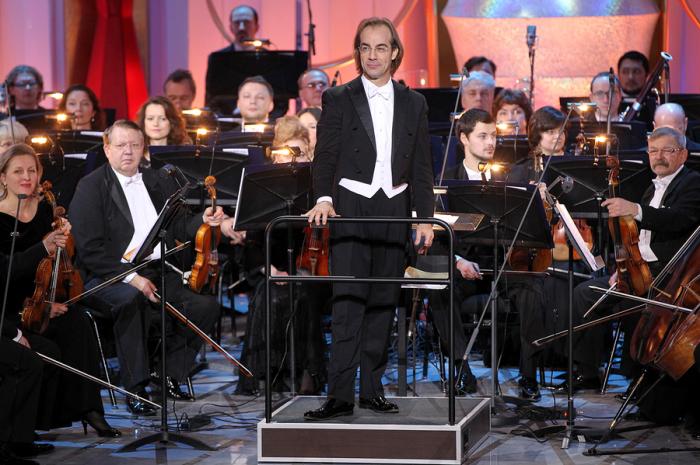 Фабио Мастранджело срывает овации среди российских слушателей./Фото: cdn-st3.rtr-vesti.ru