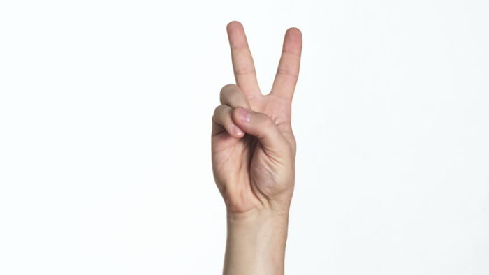 Жест «peace» не всегда мирный./Фото: ak7.picdn.net
