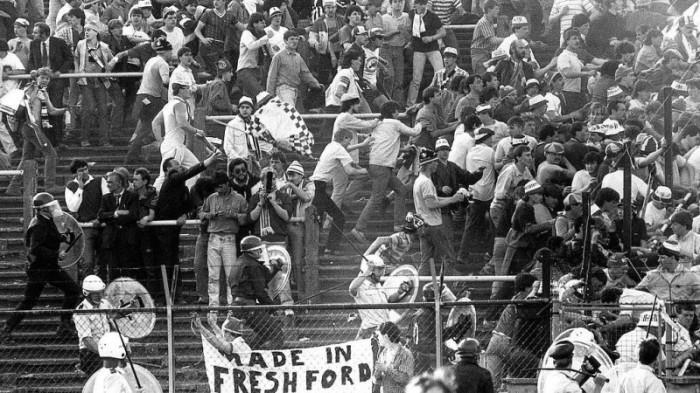 Столкновения болельщиков Гондураса и Сальвадора./Фото: cs6.pikabu.ru