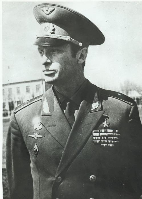 В. Ильюшин по легендам западных СМИ был первым в космосе./Фото: 2.bp.blogspot.com