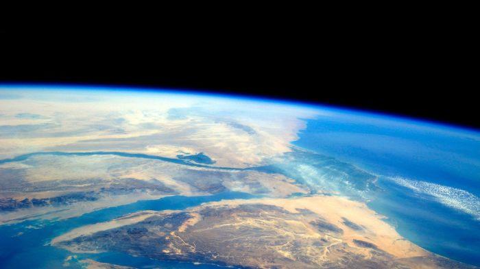 Орбита - крайне опасная и враждебная для человека среда./Фото: www.kickstarter.com