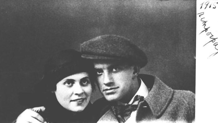 Владимир Маяковский и Лилия Брик./Фото: os.colta.ru