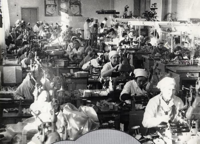 Некоторые цеховики на оплату подпольного труда не скупились./Фото: img.anews.com