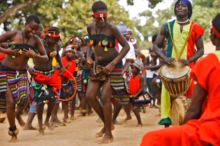 Население Гвинеи платит государству за то, что страна ни с кем не воюет./Фото: www.fertilizerdaily.ru