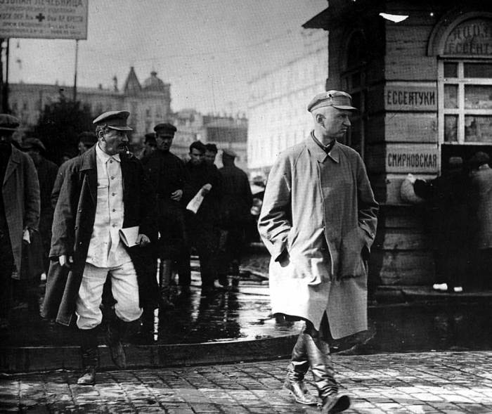 Городское сопровождение Сталина./Фото: img12.nnm.me