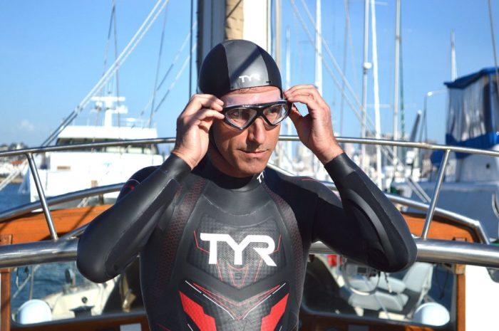 Бенуа Лекомт готовится к рекордному заплыву./Фото: thelongestswim.com