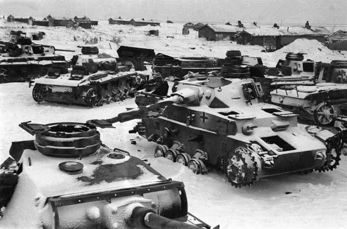 Мыши выводили из строя немецкую технику и распространяли туляремию среди немецких солдат./Фото: waralbum.ru