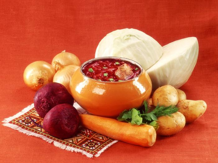 Овощи на русский стол традиционно подавались не в виде салатов, а раздельно./Фото: turizmdom.ru