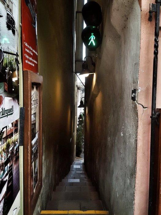 Узкая улица стала причиной проигрыша графа Берримора./Фото: pbs.twimg.com