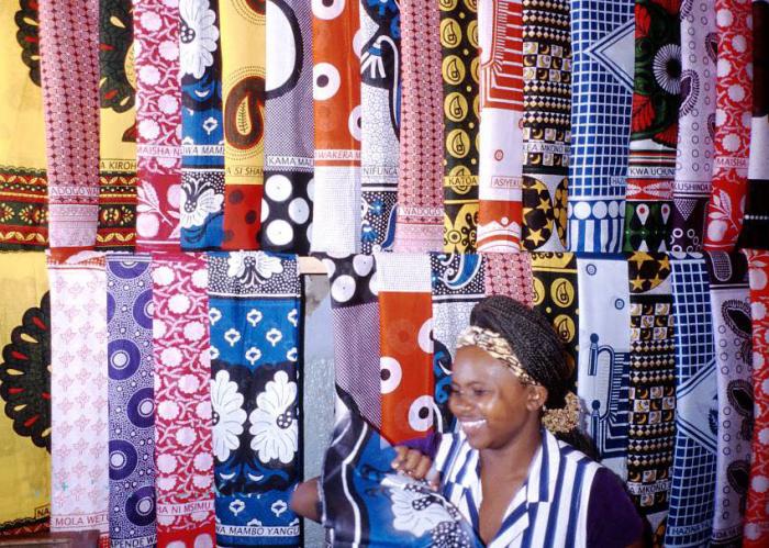 Ассортимент африканских традиционных платков./Фото: static.wixstatic.com