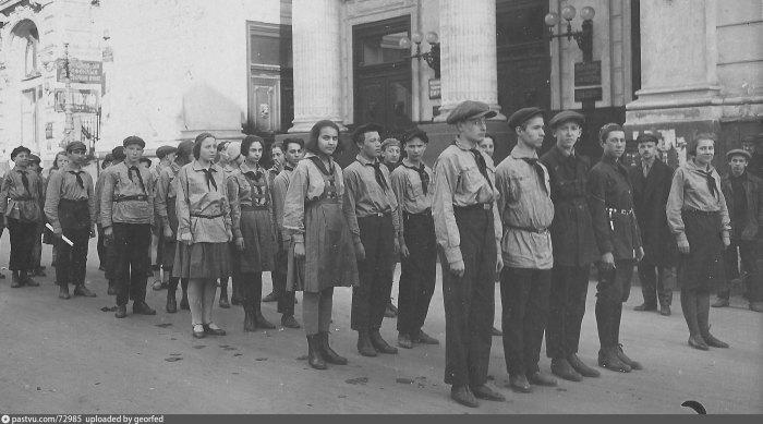 Пионерский отряд. Фото 1931 года.