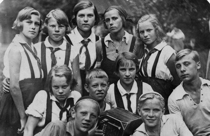 Пионерская агитбригада. Фото 30-х годов XX века.