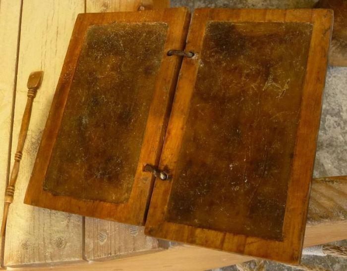 Церы – деревянные таблички с воском для нанесения текста./Фото: ruvera.ru