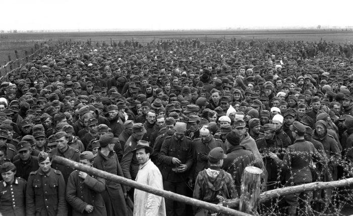 «Лагеря смерти» Эйзенхауэра./Фото: img11.nnm2.com