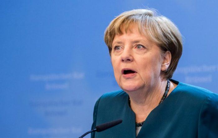Ангела Меркель не пострадала от коктейля Молотова./Фото: www.rusdialog.ru