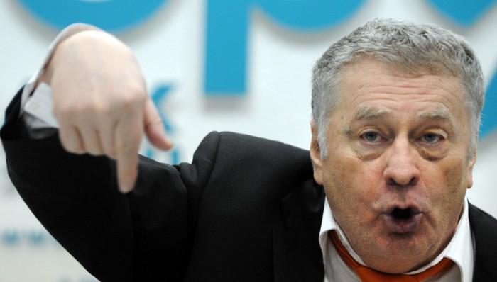 Владимиру Жириновскому не понравилась летающая квашеная капуста./Фото: newsader.com