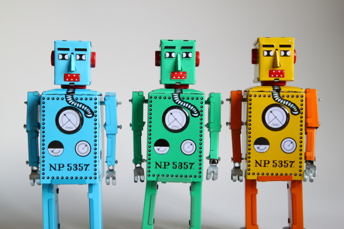Современные игрушечные роботы — копии японского робота «Lilliput» 1932 года./Фото: 4.bp.blogspot.com