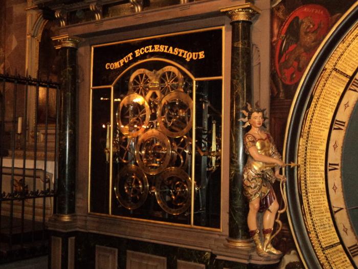 Астрономические часы Страсбургского собора./Фото:strasbourgvoyage.files.wordpress.com