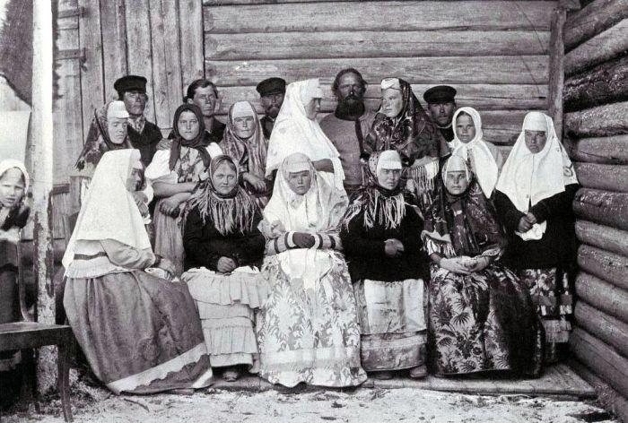 Поморы в летних костюмах./Фото: paetz.ru