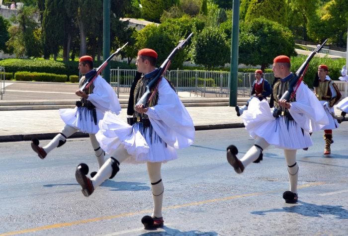 Элитные греческие пехотинцы — эвзоны./Фото: www.ilovegreece.ru
