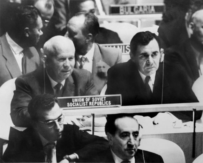 Выступление Н. Хрущёва с призывом к всеобщему разоружению было оставлено американцами без комментариев./Фото: nikita-khrushchev.ru