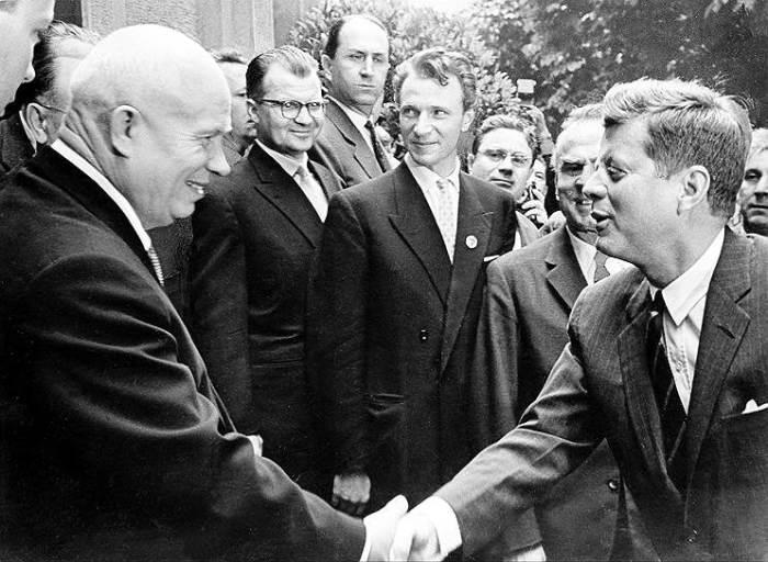 Этот визит Н. Хрущёва не оправдал возложенных надежд, а ответный визит президента США и вовсе не состоялся./Фото: Этот визит Н. Хрущёва не оправдал возложенных надежд, а ответный визит президента США и вовсе не состоялся