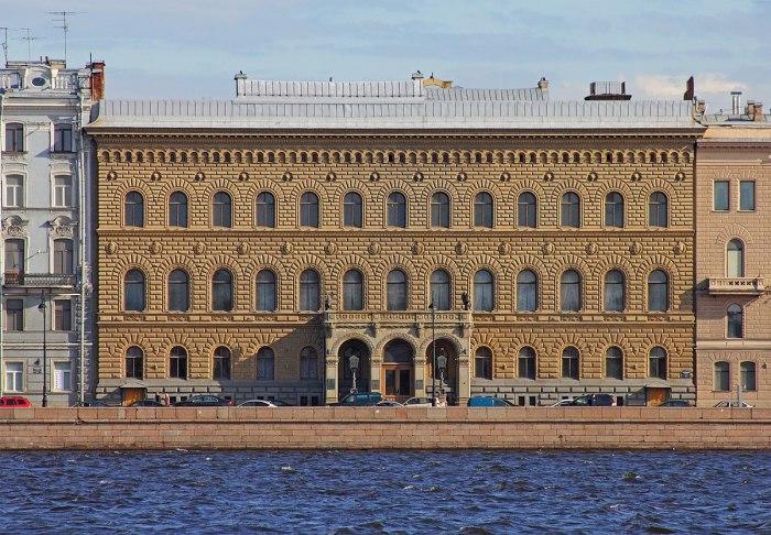 Владимирский дворец (Санкт-Петербург), в котором находился тайник с драгоценностями Марии Павловны./Фото: laruspalomnik.com
