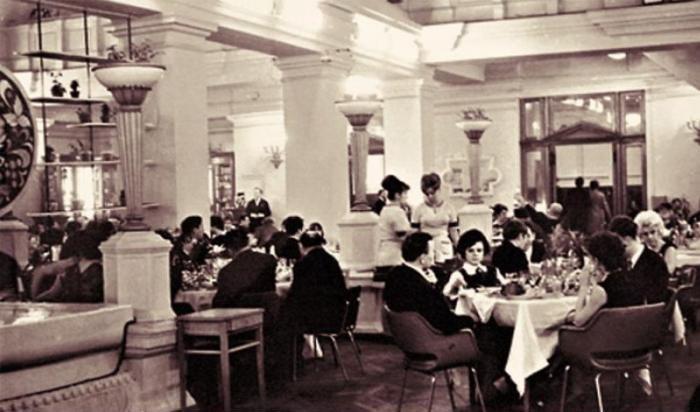 Первые элитные рестораны чаще всего открывались при гостиницах./Фото:www.vertical51.ru