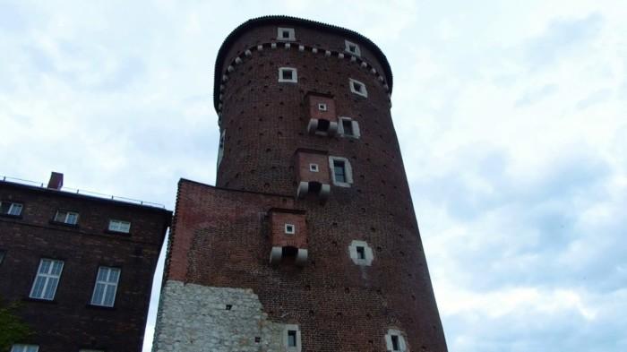 Замковый туалет в Вавеле./Фото: i.ytimg.com