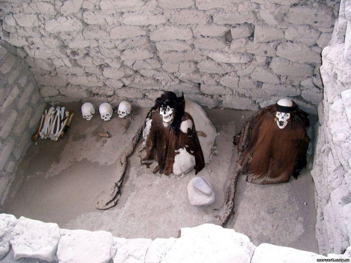 Нынешние резиденты некрополя Чаучилла принадлежали к древней цивилизации Наска./Фото: merzost.moy.su