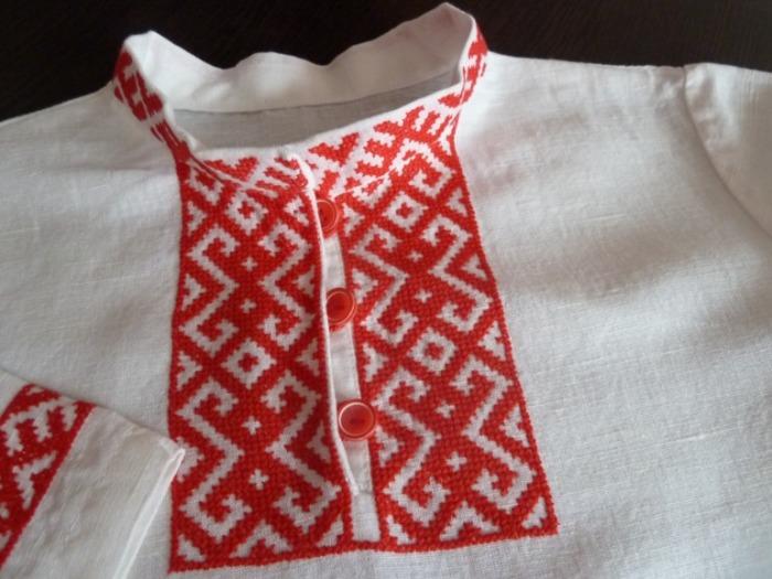 Русская рубаха с вышивкой./Фото: 062013.imgbb.ru