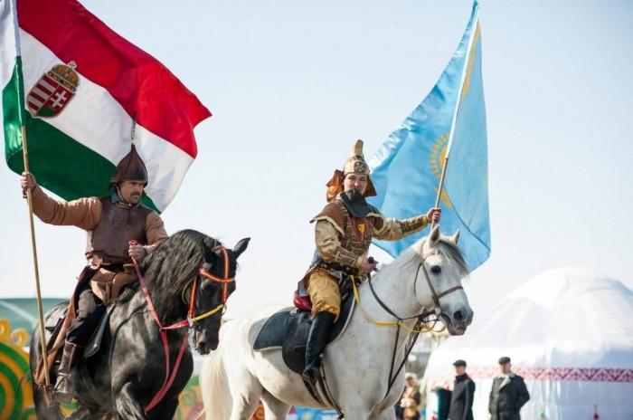 Венгры чтят традиции, принимая участие в гунно-тюркских курултаях