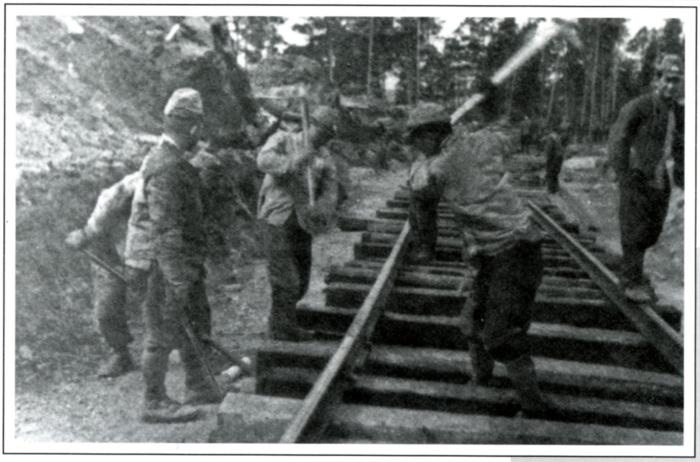 Японцы на строительстве железной дороги Тайшет-Братск./Фото: irkipedia.ru