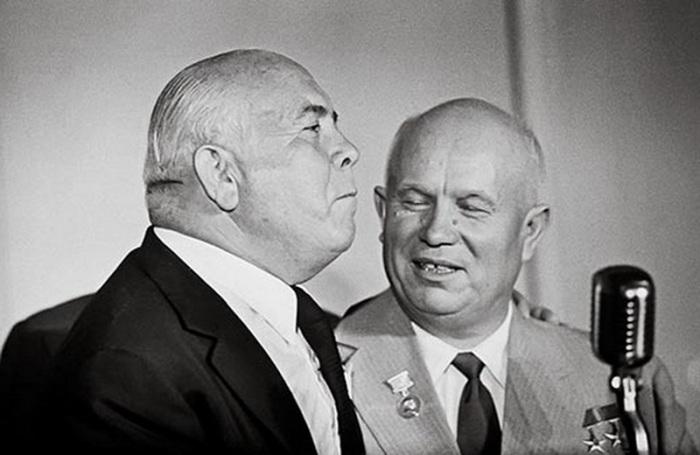 Скурас и Хрущёв