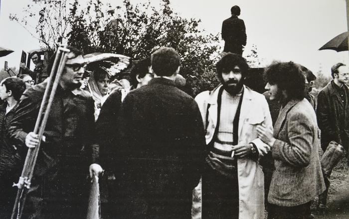 Участники выставки до разгона. Фото Владимира Сычёва