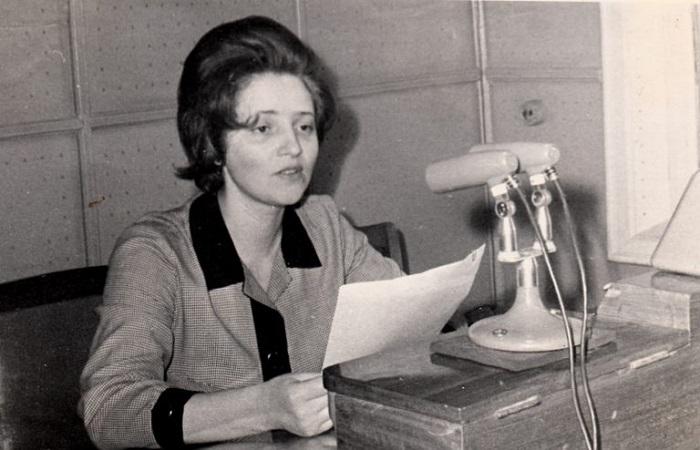 Чтобы ответить на вопросы слушателей, радиоведущие приглашали в студию докторов наук, писателей и врачей.