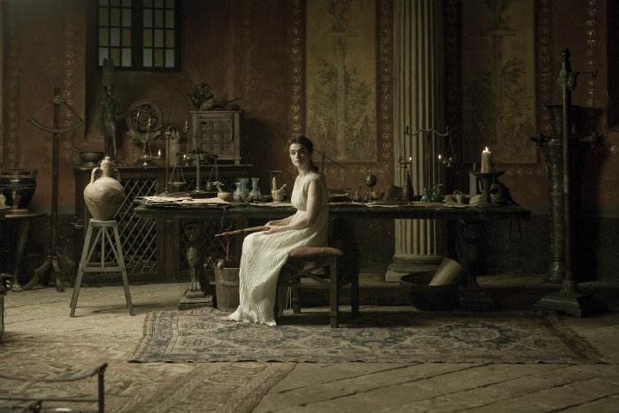 Теон Александрийский растил из дочери свою преемницу.