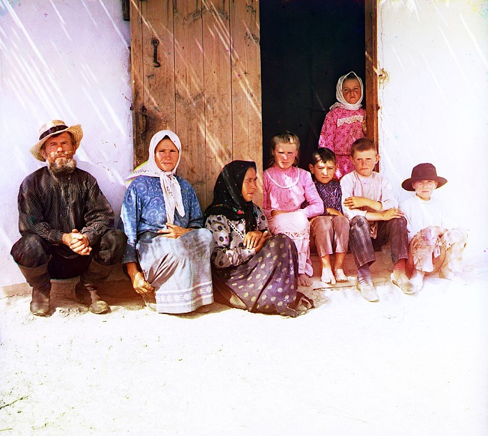 Семья русских поселенцев в Азии, 1905 год.