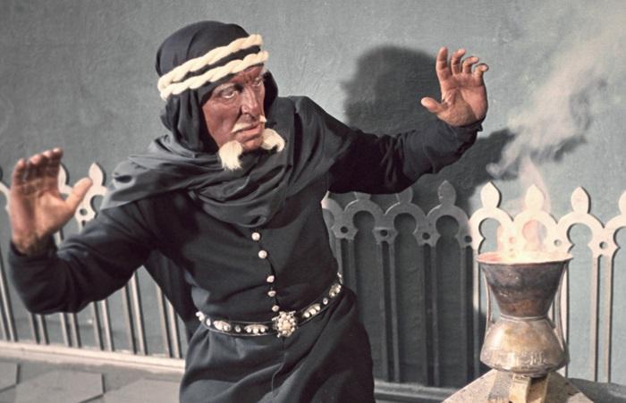 Колдуна из Магриба сделали очень темнокожим.