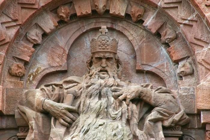 Фридрих Барбаросса стал легендарным королём